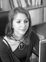 Elena Gallová Kriglerová jest dyrektorem Centrum badawczego nad mniejszościami etnicznymi i kulturą